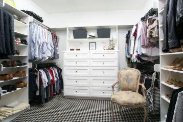 Mirimar closet